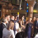 Καστοριανή νύφη πάτησε τον γαμπρό και αυτός της έβγαλε κίτρινη κάρτα (Βίντεο)