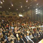 """Πλήθος κόσμου, χθες Σάββατο 3/11, στο Πολιτιστικό Κέντρο Σιάτιστας """"Άρης και Λίλιαν Βουδούρη"""", στη συναυλία """"Η καντάτα του Μαουτχάουζεν"""" (Φωτογραφίες)"""
