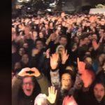 """kozan.gr: To βίντεο που """"ανέβασε"""" η Μαρίνα Σάττι, στην προσωπική της σελίδα στο facebook, από την χθεσινή Xριστουγεννιάτικη γιορτή στην Κοζάνη"""