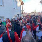 kozan.gr: Γέμισε κόσμο ο Τετράλοφος Κοζάνης – Εντυπωσιακοί, γι' ακόμη μια χρονιά, οι Μωμόγεροι του χωριού (Βίντεο & Φωτογραφίες)