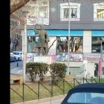 Σχόλιο αναγνώστη στο kozan.gr : Ανοιχτή η πόρτα στο «κιβώτιο – πίνακα διανομής» στην Πλατεία Γ. Τιαλίου στην Κοζάνη (Φωτογραφίες)