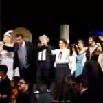 kozan.gr: Μέγαρο Μουσικής Θεσσαλονίκης: Καταχειροκροτήθηκαν οι ηθοποιοί κι οι συντελεστές της παράστασης «Ο Βαφτιστικός» του ΔΗ.ΠΕ.ΘΕ Κοζάνης σε συνεργασία με το Δημοτικό Ωδείο Κοζάνης και την Εταιρεία του Λυρικού Θεάτρου Ελλάδος (Βίντεο & Φωτογραφίες)