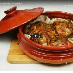 To foodaholics.gr προτείνει χοιρινό κότσι, μαλακό σαν λουκούμι