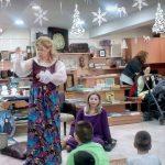 Κοζάνη: Στο βιβλιοπωλείο «Α.Αθανασιάδη» ακούστηκαν, το μεσημέρι της Κυριακής, Χριστουγεννιάτικα παραμύθια (Φωτογραφίες)