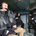 Μαθήτρια του Μουσικού Σχολείου Σιάτιστας  σε φρεγάτα και ελικόπτερο του Πολεμικού Ναυτικού
