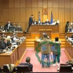 kozan.gr: Π.Σ. Δυτικής Μακεδονίας: «Άδειασμα» του Περιφερειάρχη στη Μ. Καρυπίδου σχετικά με την αναφορά της, «καρφί», για την Ε. Παναγιωτίδου ότι ήθελε να μείνει Αντιπεριφερειάρχης (Βίντεο)