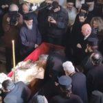 kozan.gr: Σιάτιστα: Σε λαϊκό προσκύνημα το σκήνωμα του Μακαριστού Παύλου  – Eικόνες μέσα από το  Μητροπολιτικό Ιερό Ναό Αγίου Δημητρίου (Βίντεο)