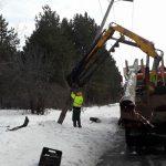 kozan.gr: Κοζάνη: Αυτοκίνητο προσέκρουσε – και γκρέμισε – κολόνα της ΔΕΗ (Φωτογραφίες & Bίντεο)