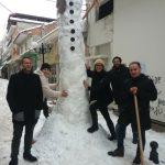 kozan.gr: Ο πιο ψηλός χιονάνθρωπος στην Ελλάδα είναι στην Πτολεμαΐδα – Έχει ύψος 4,86 μέτρα (Βίντεο)