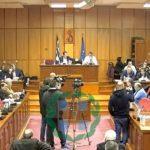 "kozan.gr: Με έντονη αντιπαράθεση Ζεμπιλιάδου – Κάτανα ξεκίνησε η συνεδρίαση του Περιφερειακού Συμβουλίου – Η επικεφαλής του συνδυασμού ""Ελπίδα"" κάλεσε τον Αντιπεριφερειάρχη να ζητήσει συγγνώμη για τις δηλώσεις του, σε προηγούμενη συνεδρίαση, όταν είχε μιλήσει, υπό μορφή ερώτησης, για παραιτήσεις Δακή & Ζεμπιλιάδου"