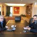 Συνάντηση με τον Υπουργό Παιδείας  είχε το πρωί της Δευτέρας ο Δήμαρχος Κοζάνης Λ.Ιωαννίδης – Από τη συζήτηση έγινε σαφές και ξεκάθαρο πως από το νέο σχεδιασμό και την εφαρμογή των ακαδημαϊκών κριτηρίων η Κοζάνη θα βγει ενισχυμένη, επιδιώκοντας να διαδραματίσει το μητροπολιτικό της ρόλο στη Δυτική Μακεδονία