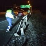 kozan.gr: Διόδια Πολυμύλου: Κομμάτι προστατευτικής μπάρας, μήκους περίπου 6 μέτρων, παραλίγο να προκαλέσει τροχαίο ατύχημα