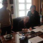 Υπογραφή σύμβασης του έργου «Επισκευή και ανακαίνιση των χώρων των wc του 2ου Δημοτικού Σχολείου Σιάτιστας»