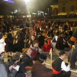 "kozan.gr: Η παρουσίαση του φανού ""Πηγάδ΄ Κεραμαριό""  το βράδυ της Τσικνοπέμπτης  στην κεντρική πλατεία Κοζάνης (Φωτογραφίες & Βίντεο)"