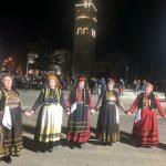kozan.gr: Κεντρική πλατεία Κοζάνης: Η παρουσίαση χορευτικών των ΚΑΠΗ Κοζάνης, Σιάτιστας και Σερβίων, το βράδυ της Δευτέρας 4/3 (Φωτογραφίες & Βίντεο)