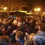 kozan.gr: Βελβεντό (Ώρα 23:30): Με χειροκροτήματα, συνθήματα και πυροτεχνήματα υποδέχτηκαν, αργά το βράδυ της Τετάρτης, τους εκπροσώπους της Μ.Κ.Ο. «Κοινωνία των Πολιτών» και της Συντονιστικής Επιτροπή Αγώνα, που επέστρεψαν από την Αθήνα (Bίντεο & Φωτογραφίες)