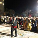 kozan.gr: Η εμφάνιση του Φανού Σκ΄ρκας, στην κεντρική πλατεία, το βράδυ της Πέμπτης 7 Μαρτίου (Φωτογραφίες & Βίντεο)