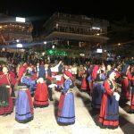 kozan.gr: Η εμφάνιση χορευτικών τμημάτων από συλλόγους των Γρεβενών παρουσιάστηκαν το απόγευμα της Παρασκευής 8/3, στην κεντρική πλατεία Κοζάνης (30 Φωτογραφίες & Βίντεο 16′)