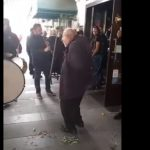 kozan.gr: Η Αποκριά στην Κοζάνη δεν έχει ηλικία – Συμμετέχουν όλοι – Σε ρυθμούς χάλκινων κινήθηκε ένας 97χρονος  (Βίντεο)