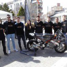kozan.gr: Κοζάνη: Η Tyφoon MotoRacing UoWM, του Πανεπιστημίου Δ. Μακεδονίας «πήγε» …πλατεία, παρουσιάζοντας την πορεία του project της (αγωνιστική μοτοσυκλέτα) (Βίντεο & Φωτογραφίες)