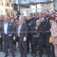 Γρεβενά:  Αντιδράσεις πολιτών για την Μακεδονία στον εορτασμό της 25ης Μαρτίου (Βίντεο)