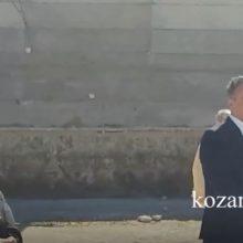 kozan.gr: Τραγούδησε το «Μακεδονία Ξακουστή» ο Περιφερειάρχης Δ. Μακεδονίας, Θ. Καρυπίδης, μετά από παρότρυνση του Πρωτοσυγκέλλου της Ι.Μ. Φλωρίνης, Πρεσπών & Εορδαίας Αρχιμανδρίτου Νικηφόρου Μανάδη – Τι είπε για το συγκεκριμένο τραγούδι ο Περιφερειάρχης, αλλά και για τα γειτονόπουλα της «Βόρειας Μακεδονίας» (Βίντεο)