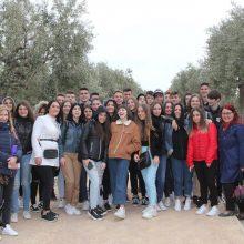 34 μαθητές της Α' Λυκείου από το Γενικό Λύκειο Νεάπολης Κοζάνης επισκέφτηκαν το Κέντρο Πολιτισμού Ίδρυμα Σταύρος Νιάρχος (ΚΠΙΣΝ)