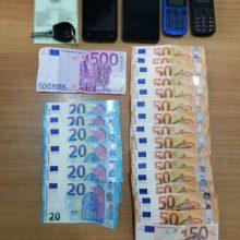 Συνελήφθη 50χρονος  για μεταφορά και διευκόλυνση εξόδου δύο παράτυπων μεταναστών, σε περιοχή της Καστοριάς  (Φωτογραφίες)
