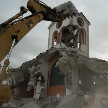 kozan.gr: Συναισθήματα συγκίνησης, στεναχώριας και λύπης προκάλεσε η χθεσινή κατεδάφιση της εκκλησίας του Αγίου Δημητρίου στον απαλλοτριωμένο οικισμό της Μαυροπηγής (Βίντεο & Φωτογραφίες)