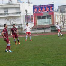 kozan.gr: ΕΠΣ Κοζάνης 22η Αγωνιστική: Η ΑΕΠ στη θέση οδηγού – Υπό τα βλέμματα 1.500 φιλάθλων, νίκησε με 1-0 την Κοζάνη και πέρασε μπροστά… Τραυματίστηκε ο σκόρερ Πλάτων Καρακατσάν (Βίντεο & Φωτογραφίες)