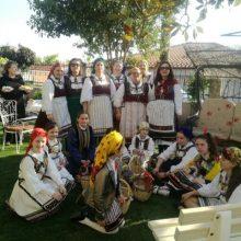 Kήπος Kοζάνης: Oι Λαζαρίνες τήρησαν το έθιμο γυρνώντας όλα τα σπίτια του χωριού και τραγουδώντας