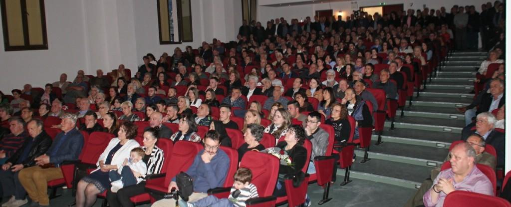 Κατάμεστο το Πολιτιστικό Κέντρο Σερβίων στην εκδήλωση της «Δημοτικής Συνεργασίας» του Βασίλη Κωνσταντόπουλου: «Σχέδιο ανασυγκρότησης και επαναλειτουργίας του Δήμου, για την επιστροφή στην κανονικότητα»  (Δελτίο τύπου με φωτογραφίες)