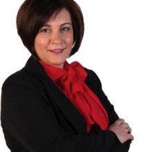 Υποψήφια Δημοτική Σύμβουλος  στη Δ.Ε. Σιάτιστας με τον συνδυασμό «ΔΥΝΑΜΗ ΕΠΑΝΕΚΚΙΝΗΣΗΣ» του Χρήστου Ζευκλή, η Σκούνου- Κουκουλιάτα Περιστέρα