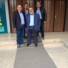 kozan.gr: Στο Πρωτοδικείο Κοζάνης, πριν από λίγο, οι Π. Πλακεντάς & μέλη του συνδυασμού «Ενωμένη Εορδαία» για την επίδοση της δήλωσης του συνδυασμού για συμμετοχή στις εκλογές της 26ης Μαΐου (Φωτογραφίες)