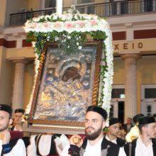 kozan.gr: Κοζάνη: Με πυροτεχνήματα, τη συμμετοχή 3 φιλαρμονικών και παρουσία πλήθους πιστών, πραγματοποιήθηκε, η λιτάνευση της εικόνας της Παναγίας της Ζιδανιώτισσας – Όλη η διαδρομή από τον Ιερό Ναό των Αγίων Κωνσταντίνου και Ελένης στον Ιερό Μητροπολιτικό Ναό του Αγίου Νικολάου (140 Φωτογραφίες & Βίντεο 17′)