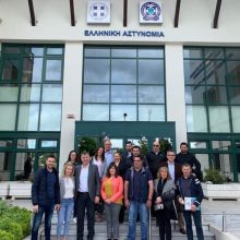 Επίσκεψη στο Αστυνομικό Μέγαρο Κοζάνης  πραγματοποίησε το πρωί της Παρασκευής 10 Μαΐου ο συνδυασμός «Κοζάνη ΜΠΡΟΣΤΑ» του Ευάγγελου Σημανδράκου (Φωτογραφίες)
