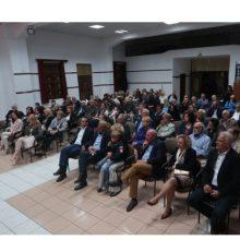 Καστοριά: Η ομιλία στο Άργος Ορεστικό του Θόδωρου Καρυπίδη για τα έργα του και η στιγμή της αναγνώρισης ενός από αυτά (Δελτίο τύπου)