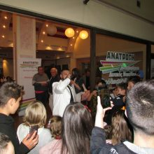 kozan.gr: Μουσική εκδήλωση, με τον Υποχθόνιο, διοργάνωσε, το βράδυ της Παρασκευής 24/5, στο εκλογικό του κέντρο ο συνδυασμός Ανατροπή Δημιουργία του Θ. Καρυπίδη (Βίντεο & Φωτογραφίες)