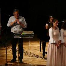 Μάγεψε το κοινό της Σιάτιστας η φημισμένη Χορωδία KAROLINA από την Ουγγαρία (Bίντεο)