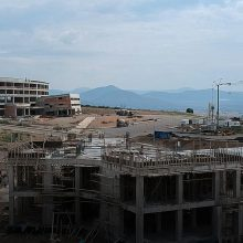 kozan.gr: Κοζάνη: Υπό κατασκευή – αυτή την περίοδο – και τρίτο κτήριο στην ανεγειρόμενη Πανεπιστημιούπολη Δ. Μακεδονίας στην ΖΕΠ – Σημερινές (17/6/2019) εικόνες (Βίντεο)