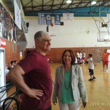Επίσκεψη της υποψηφίας Βουλευτή του Σύριζα Καλλιόπης Βέττα στο καλοκαιρινό Μπασκετ-Kαμπ που διοργανώνει η ΔΕΗ στην Πτολεμαΐδα