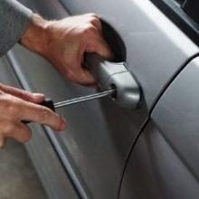 Καλονέρι Boίου: Κυνήγησε τους κλέφτες με το αυτοκίνητο και τους εμβόλισε