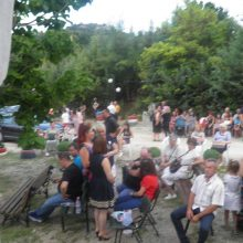 Kozan.gr:  Πανηγυρικός εσπερινός για τον εορτασμό της Αγίας Ειρήνης της Χρυσοβαλάντου, πραγματοποιήθηκε το Σάββατο 27 Ιουλίου στον Βαθύλακκο του Δήμου Σερβίων  (Φωτογραφίες)