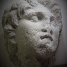 Η αναπάντεχη ανακάλυψη γλυπτού του Μεγάλου Αλεξάνδρου – Ηταν παραπεταμένο στην αποθήκη του μουσείου Βέροιας