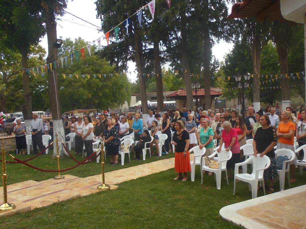Kozan.gr:  Πλήθος πιστών, για τον Εσπερινό, στον Ιερό Ναό Παναγιάς Κοζάνης,  παραμονή Δεκαπενταύγουστου (Βίντεο και Φωτογραφίες)