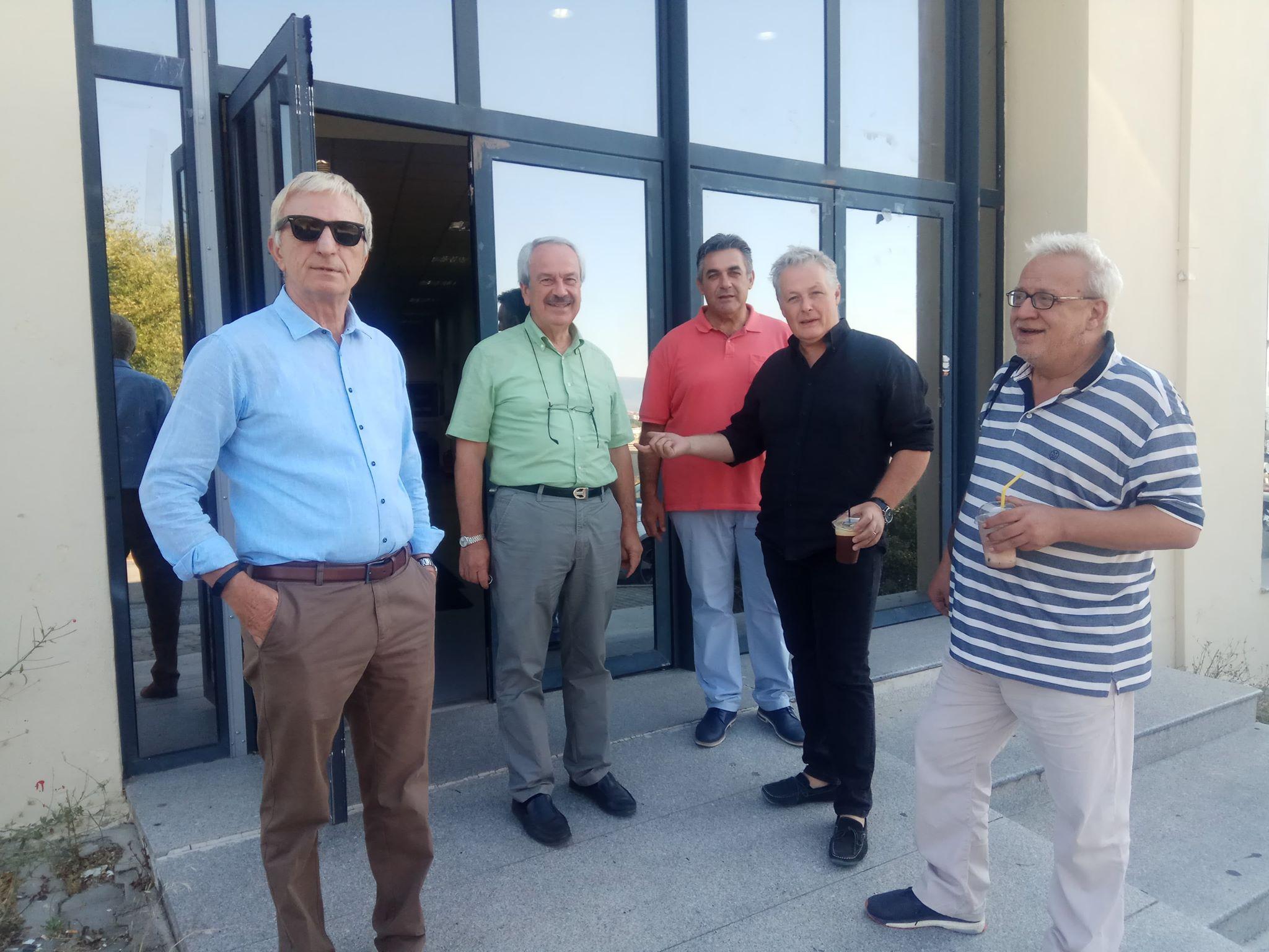 kozan.gr:  Στις κάλπες σήμερα Τετάρτη 21/8 μέλη ΔΕΠ ΕΤΕΠ,ΕΔΙΠ, ΕΕΠ και διοικητικοί υπάλληλοι του Πανεπιστημίου Δ. Μακεδονίας για ανάδειξη Πρύτανη κι Αντιπρυτάνεων (Φωτογραφίες)