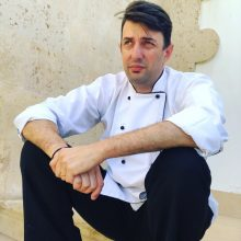 Ο συντοπίτης μας σεφ Νίκος Κουλούσιας, από την Νεάπολη του δήμου Βοΐου, θα μαγειρέψει ένα μοναδικό μενού στη μνήμη της πριγκίπισσας Νταϊάνα