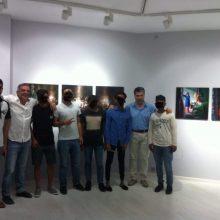 Επίσκεψη της Δομής Φιλοξενίας Ασυνόδευτων Ανηλίκων στη φωτογραφική έκθεση του Περικλή Μεράκου, στο Μουσείο Τεχνών Κοζάνης