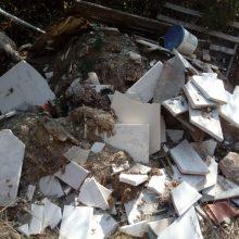 kozan.gr: Επιστολή αναγνώστη για πεταμένα μάρμαρα από τάφο στη σιδηροδρομική γραμμή ΒΑΤΕΡΟΥ