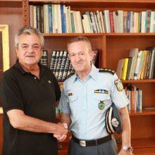 kozan.gr: Τον Αντιπεριφερειάρχη Π.Ε. Κοζάνης Γ. Τσιούμαρη επισκέφτηκε την Τρίτη 10/9 ο Αστυνομικός Διευθυντής Κοζάνης Σ. Διόγκαρης (Βίντεο & Φωτογραφίες)